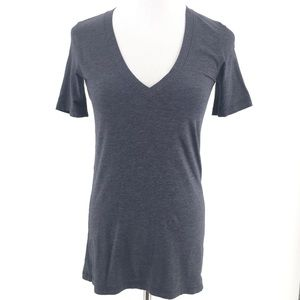 Lululemon V-Neck T-Shirt Charcoal Gray Sz 4
